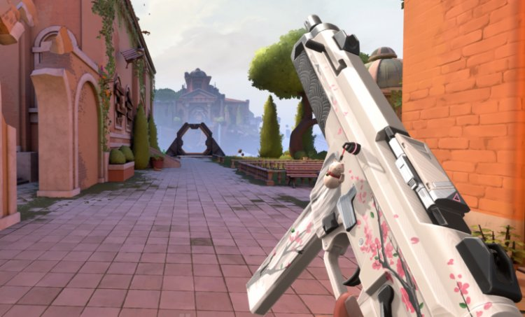 Lothar shows off quick-burst mechanic for accurate peeks using VALORANT's Stinger and Bulldog