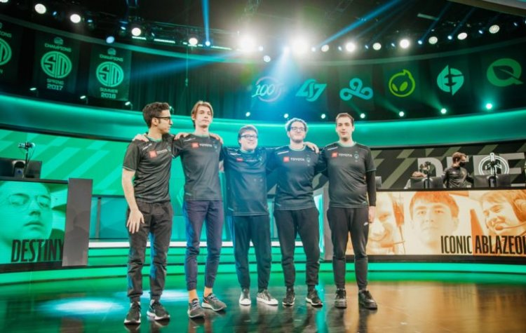 Immortals extend winning streak to four games against first-place 100 Thieves in LCS Summer Split week 8